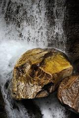 PUYARRUEGO-Anisclo-01 (ikimilikili-klik) Tags: nikond700 d700 nikkor28200mm puyarruego huesca aragn aisclo roca rock harria barranco can canyon gorge agua water fall cascada urjautzia cascade 28200mmf3556d