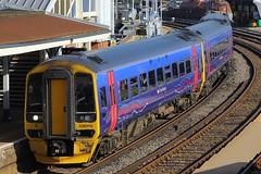 158956, Fratton, November 1st 2014 (Southsea_Matt) Tags: station train railway firstgreatwestern fratton portsmouthharbour dmu cardiffcentral class158 158956