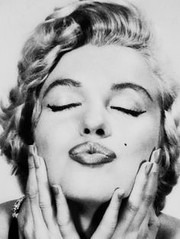Philippe Halsman - Marilyn Monroe (aguila.laura) Tags: marilyn wow amazing pic monroe philippe doppelganger goodenough halsman almostthesame