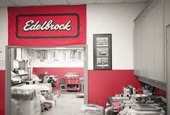 Edelbrock Headquarters Tour 2016 04 (JCD Images) Tags: california cars ford performance headquarters legendary chevy trucks rd hotrods madeinusa torrance edelbrock manufacturing waterpumps carburetors 2016 camshafts superchargers vicedelbrock automotiveracing electronicfuelinjection crateengines vicsgarage intakemanifolds powerpackages smallblockengines