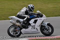 Supertwins - R1 (3) Paul Williams (Collierhousehold_Motorsport) Tags: honda suzuki kawasaki aprilia 400cc snetterton 650cc supertwins avontyres thundersport thundersportgb snetterton200 stocktwins hmtracing