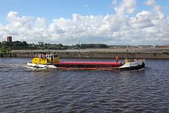 'Loach' Runcorn Old Quay 13th July 2016 (John Eyres) Tags: loachnearingtheendofherjourneypassingoldquay runcornstmaryschurchcanbeseenacrossthemerseyestuaryatwestbank widnes130716 manchestershipcanal