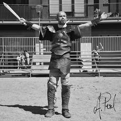 Gladiador 06 (A.Peral) Tags: bw blanco festival circo negro romano arena gladiator dies gipuzkoa irun biga gladius bidasoa oiasso oiassonis gladirador