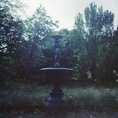 Fountain (rotabaga) Tags: sverige sweden lomo lomography lubitel166 kodak portra160 mediumformat mellanformat värnamo 120 6x6