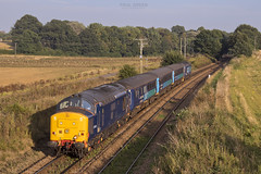 With the sun dipping 37422 trails on 2P32 1736 Norwich - Great Yarmouth at Gillets Bridge Postwick 13/9/2016 (Paul-Green) Tags: class 37 374 37422 37419 postwick gillets bridge drs direct rail services aga abellio greater aglia norfolk lchs norwich gt great yarmouth train passenger service mevement flickr sun sunny evening canon 7d mk2 mark ii outdoors railways pic picture photo photography english electric type 3 three diesel engine loco locomotive 2p32 1736