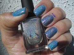 Mega (X) - ILNP (Raabh Aquino) Tags: unha esmaltes hologrfico holographic silver prata azul blue