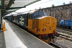 37403 on push pull in CARLISLE (Barrytaxi) Tags: