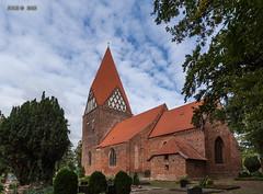 Proseken, Dorfkirche (joergpeterjunk) Tags: proseken dorfkirche outdoor architektur kirche fiedhof canoneos50d canonefs1022mmf3545usm