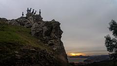 Nos observan (Carpetovetn) Tags: amanecer sunrise cabras costa cantbrico paisaje sonynex5n