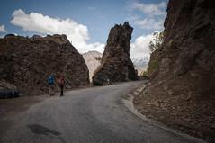 On commence sur l'asphalte (seb.grd) Tags: nepal vacances np npal langtang dhunche centralregion