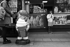 Ice-cream  Nara (Julien Mailler) Tags: world street travel people blackandwhite girl japan asian japanese julien kid asia child little eating nissei icecream nippon asie nara kansai japon nihon japonais nationalgeographic asiatique honshu reflectionsoflife lovelyphotos jules1405 unseenasia earthasia mailler
