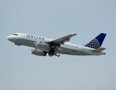 UNITED A319 N845UA (Adrian.kissane) Tags: united lax a319 1585 n845ua