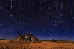 Circumpolar (www.jorgelazaro.es) Tags: lightpainting luz azul luces noche paisaje ruina estrellas nocturna campo polar choza linterna circumpolar pedraseca cabañadevolta