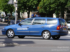 Gendarmerie | Renault Mgane (spottingweb) Tags: spotting spotted spotter spottingweb vhicule vehicle france car voiture gendarmerie gendarmerienationale gendarme forcedelordre scurit secours urgence intervention gyrophare policeman security cop cops copvan 17 militarypolice renault mgane mercura