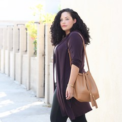 Must Try Trend: Athleisure (GirlWithCurves) Tags: taneshaawasthi girlwithcurves converse athleisure curlyhair plussizeblog curvyfashion