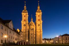 Stiftskirche St. Gallen (explored) (mierhhhlich) Tags: schweiz switzerland evening ostschweiz bluehour stgallen blauestunde stifskirche cantonofstgallen easternswitzerland abbeyofsaintgall