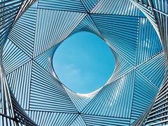 angel duarte: ouverture au monde (dan.boss) Tags: canon stainlesssteel sculpture switzerland ouchy lausanne angelduarte schweiz suisse canonixus400 blue bluesky