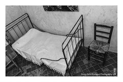 vincent (alamond) Tags: bw france art monochrome hospital bed chair artist room vincent cell painter 7d l usm provence arles vangogh ef f4 1740 mkii markii brane stremy llens postimpressionism alamond zalar