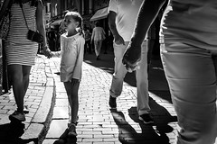 Girl in Old Town in Stockholm, Sweden18/7 2016. (photoola) Tags: stockholm street gamlastan barn sv monochrome blackandwhite phooola sweden swecja sude suecia schweden stoccolma child children girl
