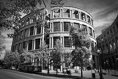 Library (Eunice Gibb) Tags: britishcolumbia bc canada westcoastofcanada vancouver urban urbanlandscape city cityofvancouver vancouvercanada blackandwhite bw noiretblanc grayscale vancouverpubliclibrary centralbranch architecture architectural