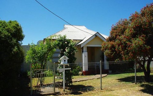 38 Simpson St, Wellington NSW 2820
