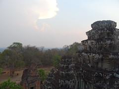 DSC01225 (LeeZhenYu) Tags: cambodia siemreap angkor phnombakheng phnom bakheng