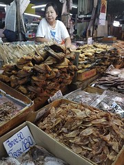Warorot Market (19 of 71) (John Shedrick) Tags: food vegetables thailand asia chinatown farmers market unique traditional indoor meat smartphone chiangmai local nontourist samsunggalaxys7edge