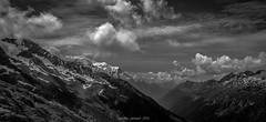 Ciel Tourment sur le Massif du Mont Blanc (N/B) (Frdric Fossard) Tags: paysage panorama montagne nature valle ciel nuage glacier neige nv flancdemontagne horizon montblanc massifdumontblanc france chamonix valledechamonix aiguillesrouges moraine altitude alpes hautesavoie blackwhitepassionaward