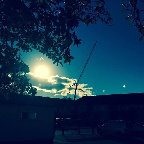 #reach #for #the #sun #towercrane #october #iphone6 #filter #instapicture #monday #stenhamra #instanature #endofsummer