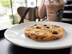 Starbucks Soft Baked Chocolate Chip Cookie (Jitkem Tienngam) Tags: food coffee dessert cookie