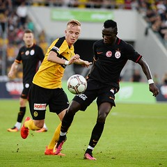 Young Boys 1-1 Galatasaray (l3o_) Tags: galatasaray young boys sar krmz red yellow football futbol uhren cup armindo tu na bangna bruma
