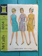 McCall's 8654 (kittee) Tags: kittee vintagesewing vintagepattern mccalls mccalls8654 8654 dress size10 bust31 shift princessseams sleeveless pockets 1967 1960s