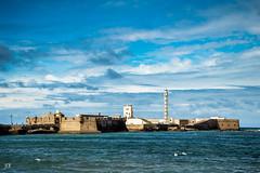 29561804242_86aa359aaa_o (antoniobraza) Tags: paisaje andalucia barco beach boat cadiz d3200 gaviotas mar nikon olas playa sea ship
