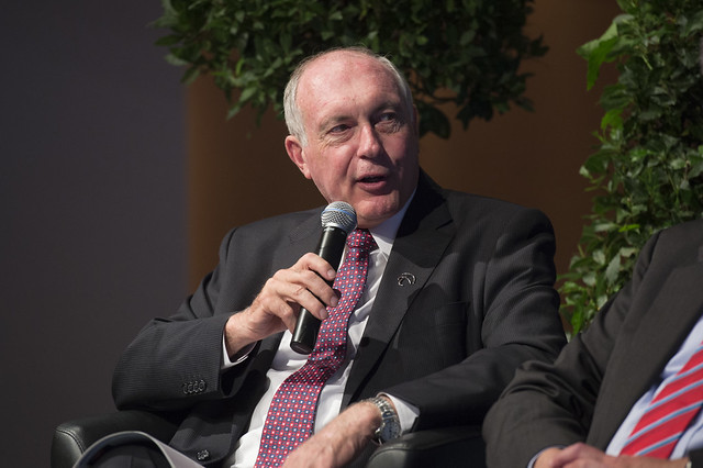 Warren Truss takes part in the discussion