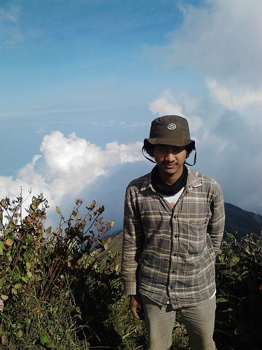 "Pengembaraan Sakuntala ank 26 Merbabu & Merapi 2014 • <a style=""font-size:0.8em;"" href=""http://www.flickr.com/photos/24767572@N00/26888440650/"" target=""_blank"">View on Flickr</a>"