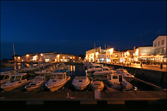 IMG_4149 (Damien DEROUENE) Tags: france night port marina boats vilage iledere damienderouene