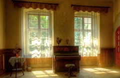 Palace.. (Pohlovka-Urbex (Mstsk przkum)) Tags: light sun abandoned decay piano palace chateau urbex czphoto