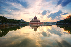 Masjid Putra Putrajaya (KembaraAlam) Tags: lake seascape reflection building architecture sunrise canon landscape photography scenery asia outdoor muslim mosque serenity malaysia putrajaya masjid asean photohunt phototrip phototravel putramosque singhray leefilter masjidputra visitmalaysia kembaraalam malaysiaexplorer