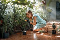 Worker in a botanical garden (dantar90) Tags: light color art girl beautiful 50mm model nikon   d610   atmosferic begmad dantar90