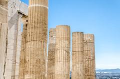 Colonne dei Propilei (mAlexandros) Tags: acropoli architettura atene geo grecia templi nikon greece athens attiki attica beautiful best ellade ellada ellas