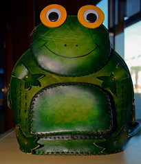 Frog smile (MartinHots) Tags: frog bag smile green shop happy leather eyes stitching