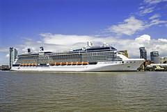 Celebrity Silhouette (Elaine 55.) Tags: celebritysilhouette cruise liverpool rivermersey