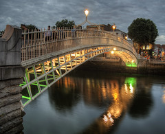 The Ha'penny Bridge, Dublin, at dusk (neilalderney123) Tags: 2016neilhoward dublin bridge reflections water river halfpenny ireland olympus