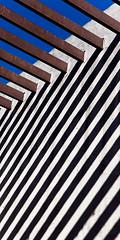 Chile 0492 (Hudson Duarte) Tags: abstrato vertical colorido bege linhasdiagonais textura