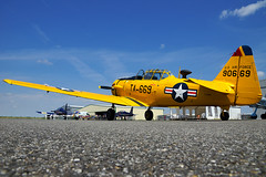 North American T-6G Texan (Curufinwe - David B.) Tags: plane airplane fly flying aircraft aviation flight meeting airshow toulouse usaf aviator airstrip avion usairforce airfield t6 northamerican meetingarien t6texan muret arodrome avgeek airexpo arifield lherm t6gtexan fazbl airexpo2015