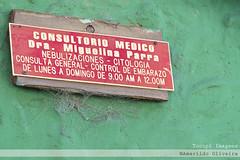 Placas (Amarildo Oliveira) Tags: venezuela pacas americadosul amricadosul medicos sinalizao profissionais southofamerica centrodemrida placasdeinformao tucupiimagens medicos