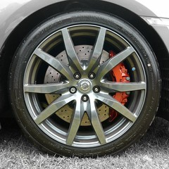GT-R Brake Porn! (Compactman) Tags: lumix nissan panasonic porn brake carshow alloy gtr nismo caliper fz100