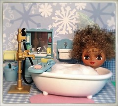 Blythe-a-Day May#13: Where We Live: Lola Relaxes...