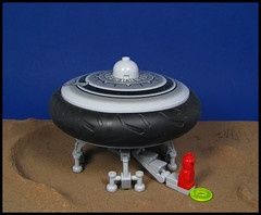 In space...no one can hear your sigh of relief : D (Karf Oohlu) Tags: lego alien relief spaceship pissing flyingsaucer moc havingaleak microscale microspacetopia microfig