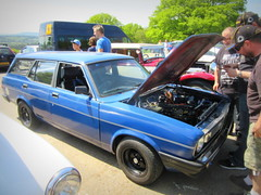 Ohh .. the  thrill of the Morris  iTAL  2.0  Engine *.. (see  below ) (John(cardwellpix)) Tags: uk corner 1982 estate sunday may surrey l morris guildford 8th newlands 2o 2016 ital